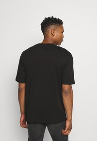 Jack & Jones - JORBRINK CREW NECK - T-shirt - bas - black - 2