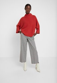 TOM TAILOR - CHECKED CULOTTE - Trousers - black/white/red/grey - 1