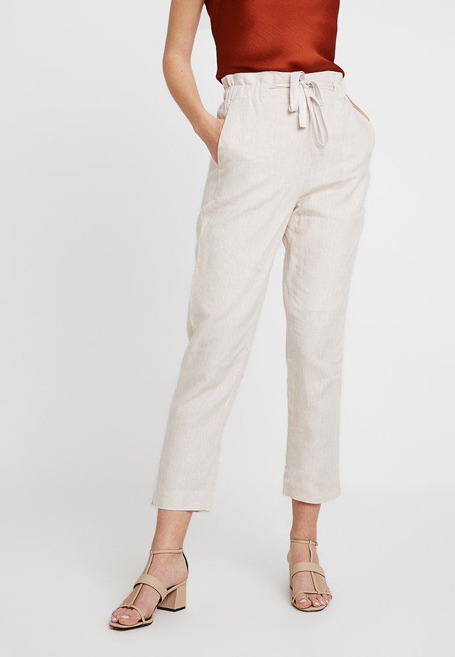ESSENTIAL - Pantalones - natural