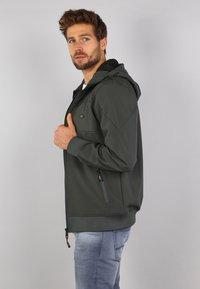 Gabbiano - Zip-up hoodie - army - 3