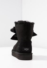 UGG - GITA BOW MINI - Classic ankle boots - black - 5