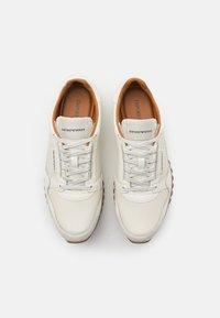 Emporio Armani - Sneakers laag - offwhite - 3