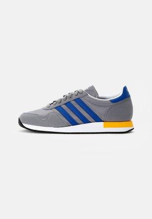 USA 84 CLASSIC - Sneakers basse - grey three/collegiate royal/solar gold
