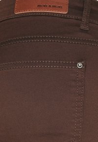 More & More - Slim fit jeans - chocolate - 2