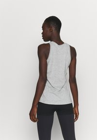 Nike Performance - DRY TANK  YOGA - Treningsskjorter - dark grey heather - 2
