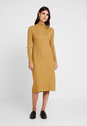 Pletené šaty - bronze mist
