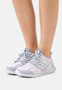adidas Originals - ULTRABOOST DNA - Zapatillas - dash grey - 0