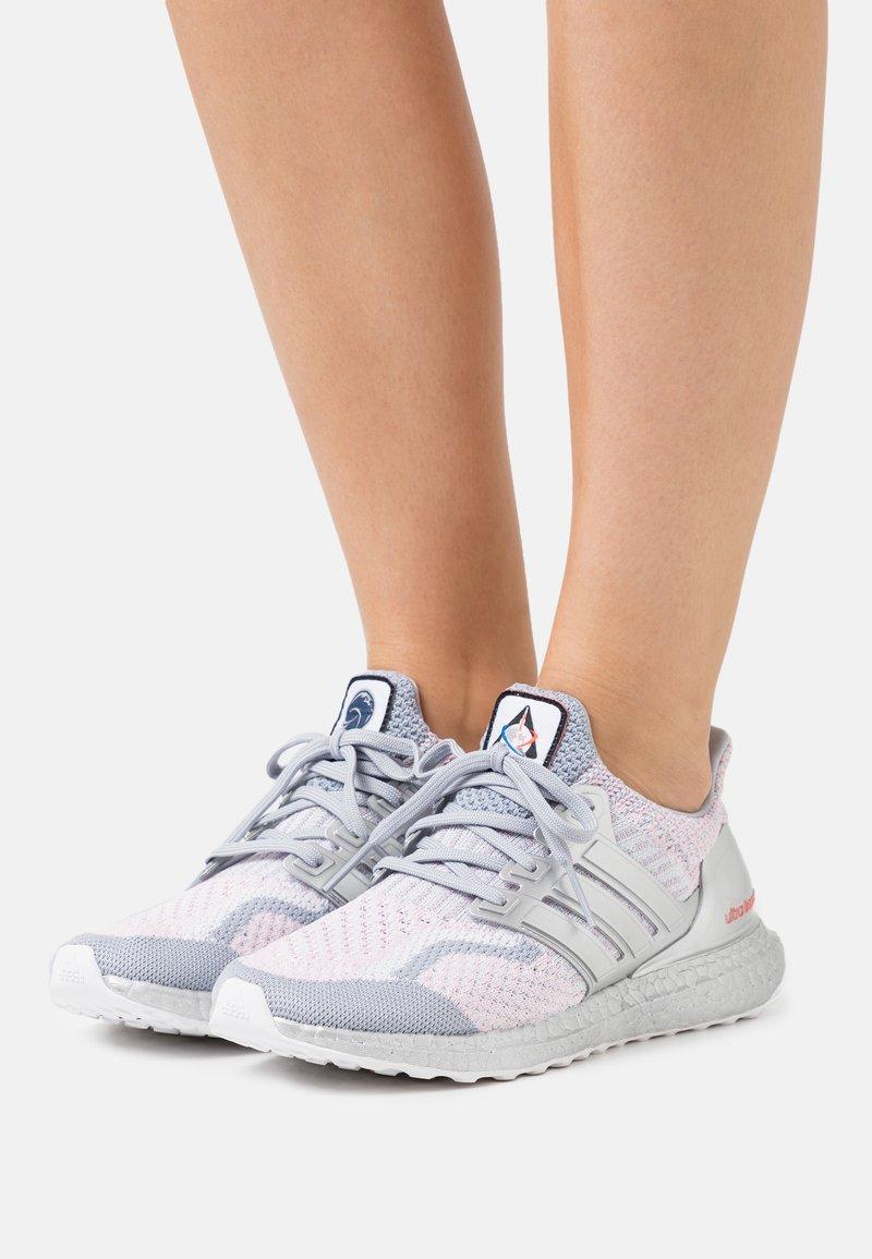 adidas Originals - ULTRABOOST DNA - Zapatillas - dash grey