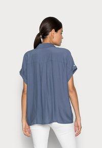 mine to five TOM TAILOR - EASY FIT - Skjortebluser - vintage indigo blue - 2