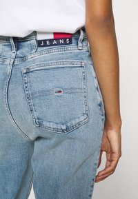 Tommy Jeans - MOM - Relaxed fit jeans - denim light - 3