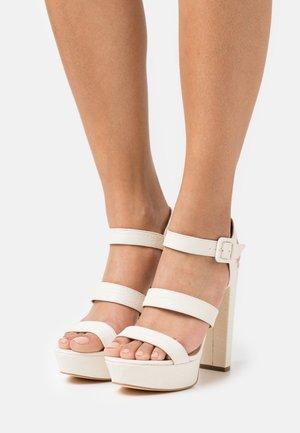 RAYONA - Sandály na platformě - cream