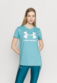 Under Armour - LIVE SPORTSTYLE GRAPHIC - T-shirts med print - cosmos - 0