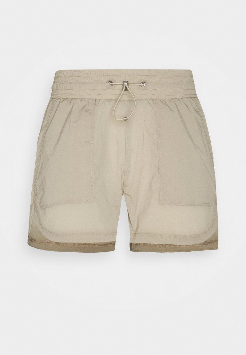 Peak Performance - HIT SHORTS - Shorts outdoor - celsian beige