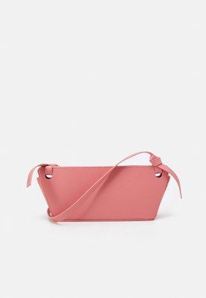 MINI RAMONA BAG - Clutch - pink