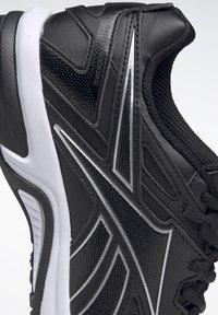 Reebok - QUICK CHASE - Zapatillas de running neutras - black - 6