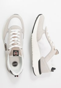 Colmar Originals - TRAVIS X-1 TONES - Trainers - white/warm grey - 1
