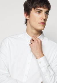 forét - Shirt - white - 3