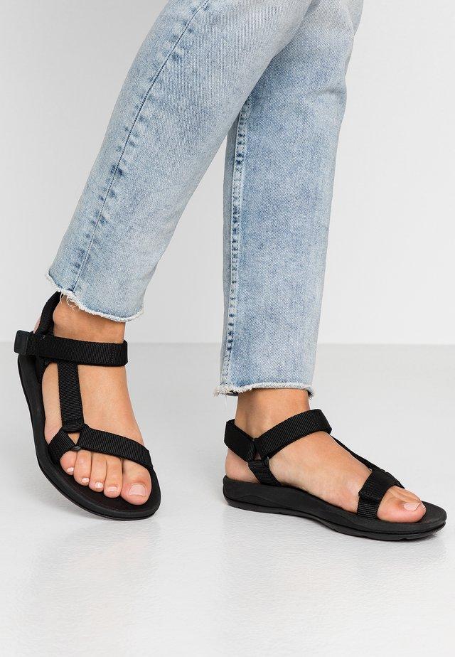 MATCH - Sandaalit nilkkaremmillä - black