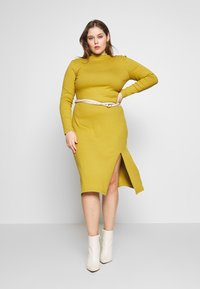 Zign Curvy - Shift dress - oliv - 1