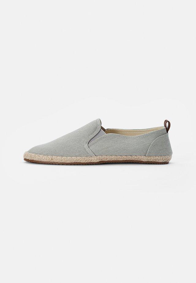 Espadrille - grey