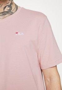 Fila - UNWIND TEE - Camiseta básica - pale mauve - 3