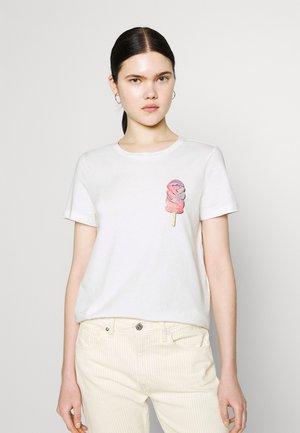 VMGALAFRANCIS BOX - Print T-shirt - snow white
