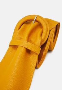 Pieces - PCANDREA WAIST BELT - Waist belt - mustard gold - 4