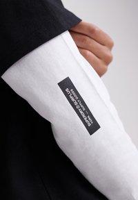 Superdry - Long sleeved top - black - 3