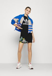 adidas Originals - TEE DRESS - Jerseykjoler - black - 1