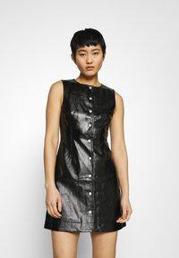 Calvin Klein Jeans - HIGH SHINE SHIFT DRESS - Sukienka letnia - black - 0