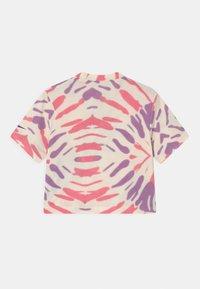 Nike Sportswear - BOXY TIE DYE - T-Shirt print - coconut milk/sunset pulse/violet shock - 1