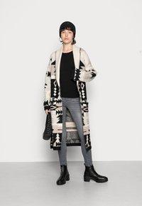 ONLY - ONLBRIA MAXI CARDIGAN - Cardigan - black/beige - 1