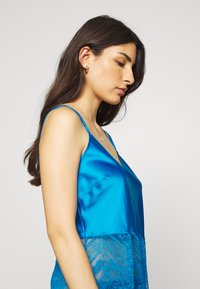 Marks & Spencer London - AUTO CAMI - Pyjama top - bright blue - 4