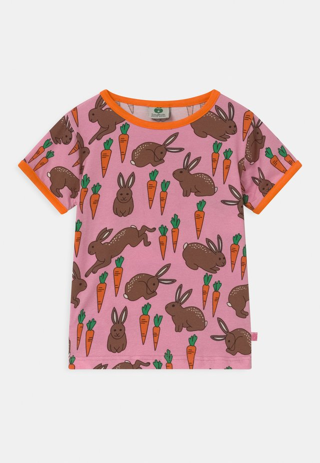 HARE - Print T-shirt - sea pink