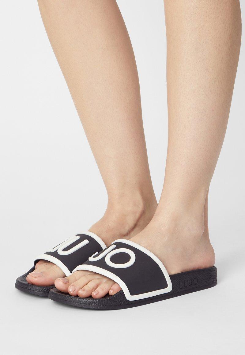 Liu Jo Jeans - KOS - Pool slides - black/white