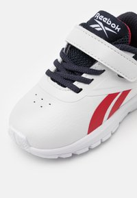 Reebok - RUSH RUNNER 3.0  - Zapatillas de running neutras - white/navy/red - 5