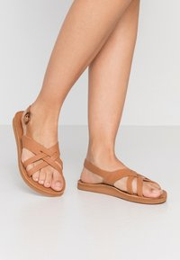 Roxy - TONYA  - Sandals - tan - 0