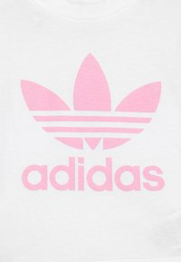 adidas Originals - SET UNISEX - Kraťasy - white/light pink - 3