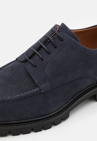 Hackett London - CHINO COM DERBY - Lace-ups - navy - 5