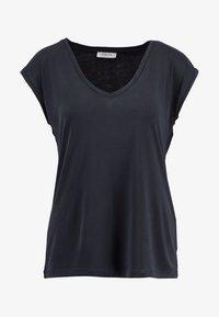 PCKAMALA TEE NOOS BC - Basic T-shirt - black