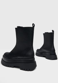 Bershka - Platform ankle boots - black - 4