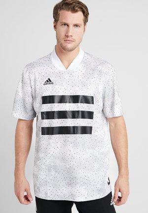 TAN - T-shirt z nadrukiem - white