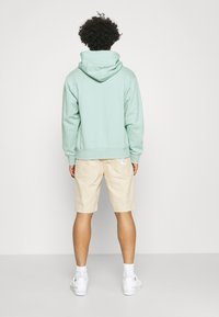 adidas Originals - PREMIUM HOODY UNISEX - Sweatshirt - hazy green - 2
