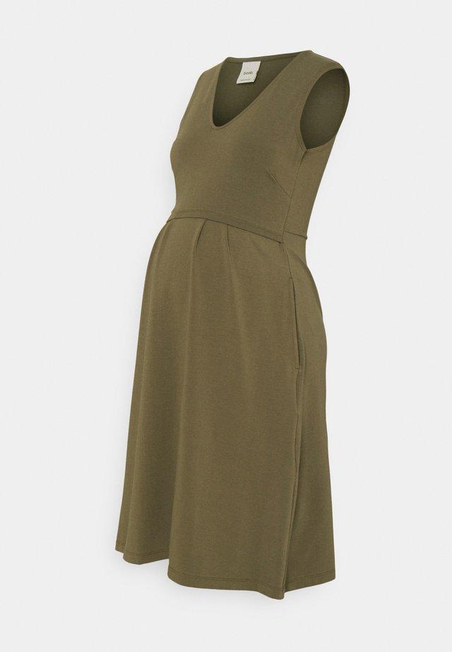 TILDA DRESS - Žerzejové šaty - pine green