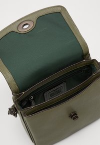 Coach - POLISHED PEBBLED CASSIE CROSSBODY - Handbag - light fern - 3