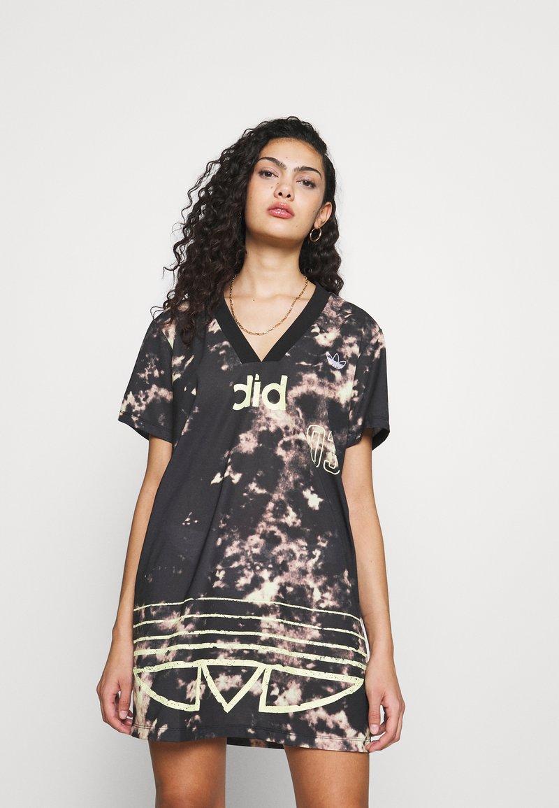 adidas Originals - DRESS - Žerzejové šaty - multicolor