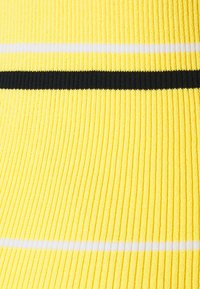 J.LINDEBERG - BERTHE STRIPED GOLF - Svetr - butter yellow - 2