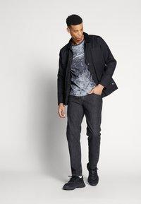 Jack & Jones - JJIMIKE - Jeans slim fit - black denim - 1