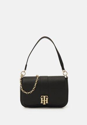LOCK SATCHEL - Handbag - black