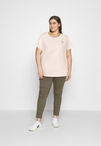 Levi's® Plus - THE PERFECT TEE - Basic T-shirt - scallop shell - 1